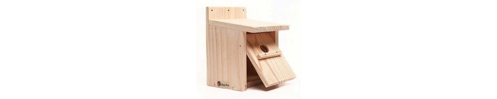 Cajas nido de madera y cemento